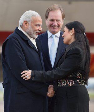 Modi Arrives in UK on Maiden visit