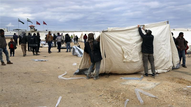 Camps Full As Tens Of Thousands Escape Regime In Syria's Aleppo