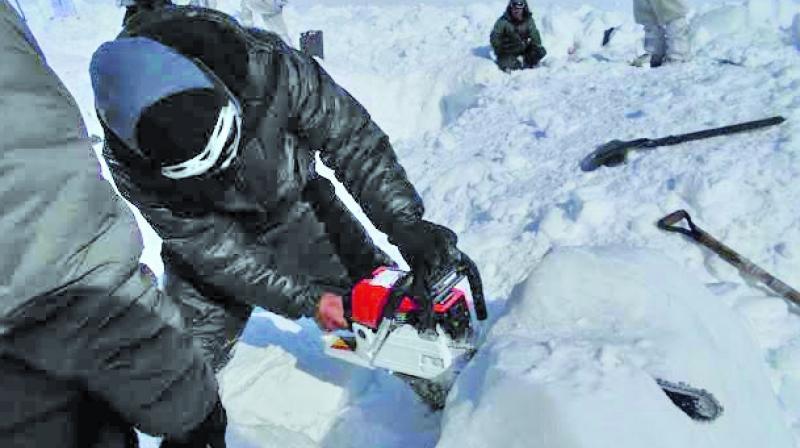 Soldier Found Alive Under Siachen Glacier
