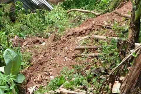 Thousands Of Vehicles Stranded After Landslide Closes Bandipora-Srinagar Road