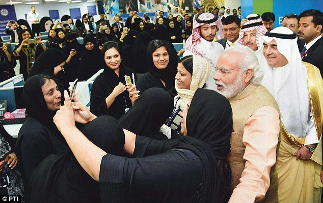 Hijab-Clad Women Welcome PM Modi To Saudi Arabia With Chants Of 'Bharat Mata ki Jai'