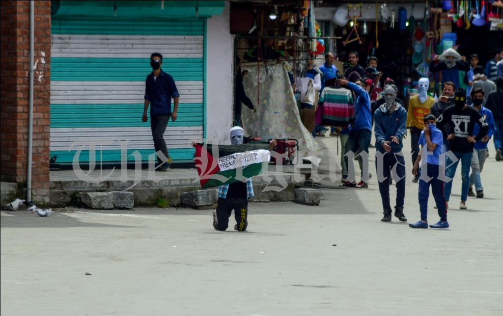 Stone Pelting And Flags Raised At Nowhatta After Friday Prayers (Photo By Xuhaib Maqbool)