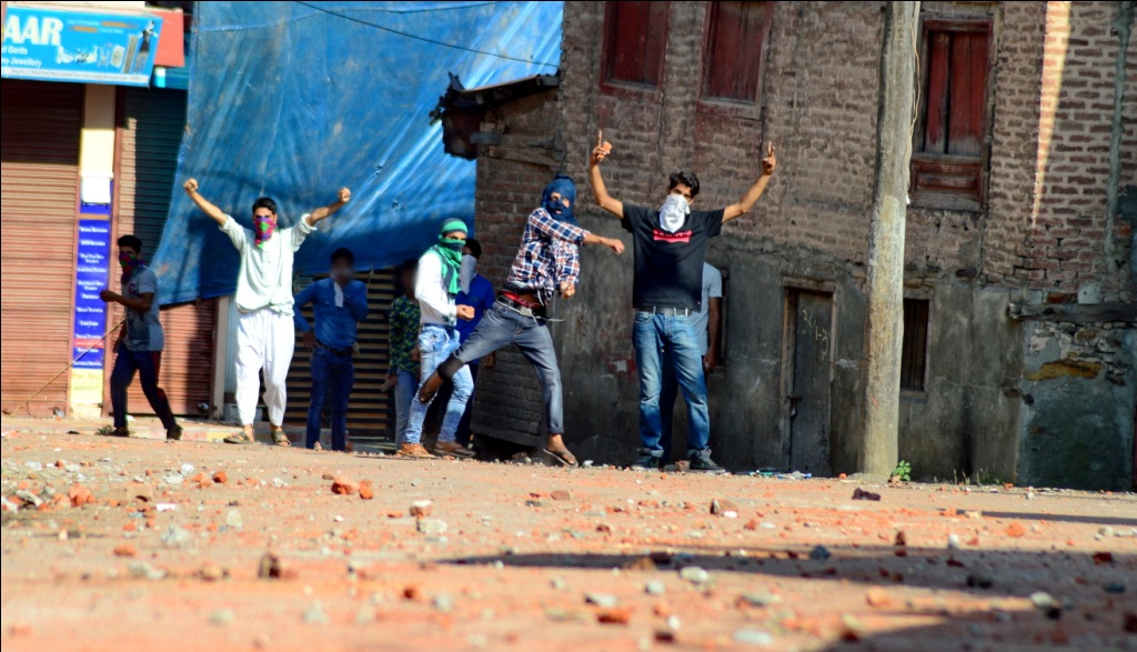 Day 54:Yet One Dead, Hundreds Wounded In Kashmir Clashes