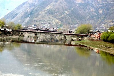 River Banks And Polluted Town Needs Attention