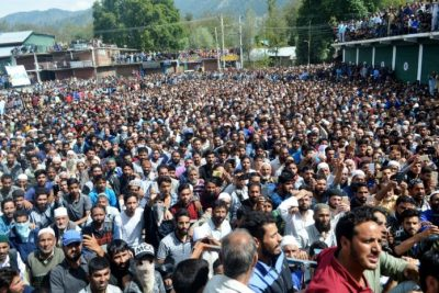 Shutdown In South Kashmir, Thousands Attend Funeral Of LeT Commander